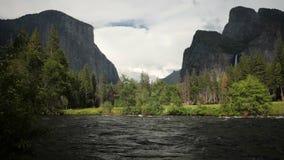 De mening van de Yosemitevallei stock footage