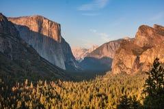 De mening van de Yosemitezonsondergang Royalty-vrije Stock Afbeeldingen