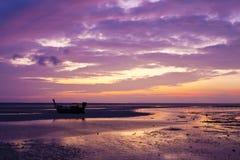 De mening van de zonsopgang van eiland PhiPhi Royalty-vrije Stock Foto's