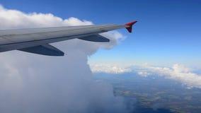 De mening van een vliegtuigvenster stock videobeelden