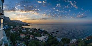 De mening van foros in het Oostelijke deel van de kust bij zonsopgang 5 royalty-vrije stock foto's