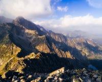 De mening van het bergketenlandschap bij zonsopgang, Slowakije Stock Afbeelding