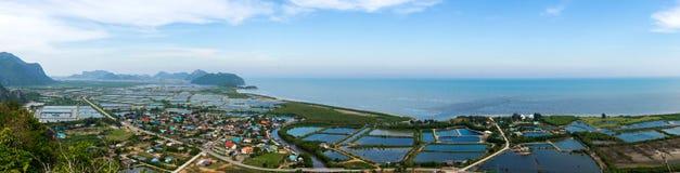 De mening van het bergketenlandschap van Khao Dang Viewpoint, Sam Roi Yod National-park, de Provincie van Phra Chaup Khi Ri Khun  Royalty-vrije Stock Afbeelding