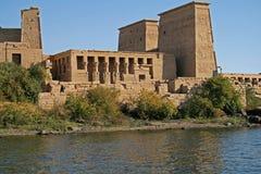 De mening van het eiland van tempel Philae - Aswan Egypte royalty-vrije stock foto's
