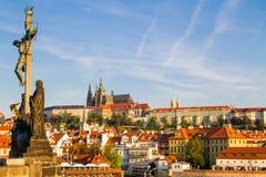 De mening van het historische kwart Hradschin in Praag stock afbeeldingen