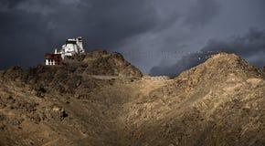 De mening van het landschap van klooster Leh stock foto's