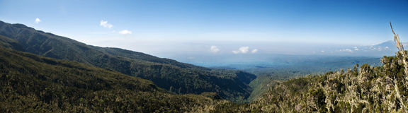 De mening van het panorama van boven op MT Kilimanjaro Stock Fotografie