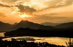 Mekong Rivier bij Zonsondergang - Luang Prabang, Laos Royalty-vrije Stock Afbeeldingen
