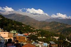 De mening van het panorama van mooie bergen Royalty-vrije Stock Fotografie