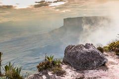 De mening van het plateau van Roraima op Grote Sabana - Venezuela, Latijns Amerika Royalty-vrije Stock Foto's