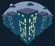 De mening van het stadslandschap bij nacht, hoge gebouwen met lichten in vensters, wolken, bomen, moderne woon en woning royalty-vrije illustratie