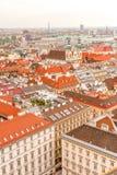 De mening van het de stadspanorama van Wenen van St Stephan kathedraal Oostenrijk stock foto's
