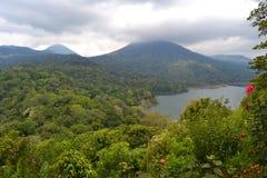 De Mening van het Tamblinganmeer in Bali Royalty-vrije Stock Foto