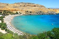 De mening van het zeegezicht van baai Lindos in Rhodos Royalty-vrije Stock Foto