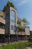 De mening van Hundertwasser-huis in Slechte Soden, Duitsland royalty-vrije stock afbeeldingen