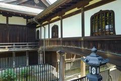 De mening van Kiyomizu kannon-doet Tempel bij Ueno-Park De tempelzaal is geclassificeerd als Belangrijk Cultureel Bezit royalty-vrije stock afbeelding