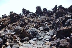 De mening van de klip tijdens het stijgen aan een hoge berg, Europa, Azië, Amerika, bevroren lava, rots, de geologie stock afbeelding