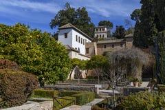 De mening van La Alhambra van de tuinen stock afbeeldingen