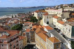 De mening van Lissabon van Alfama Royalty-vrije Stock Afbeelding