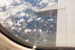 De mening van Liverpool van vliegtuigvenster Royalty-vrije Stock Foto's