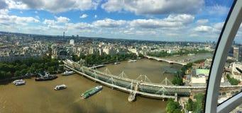 De mening van Londen van London Eye royalty-vrije stock afbeelding
