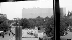 De mening van de Merriesi Sfint van Bulevardulstefan cel van de dalende Lift van Magazinul Universele Centrale UNIC stock videobeelden