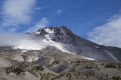 De mening van Onderstelkap van Timberline brengt, Oregon onder Royalty-vrije Stock Afbeeldingen