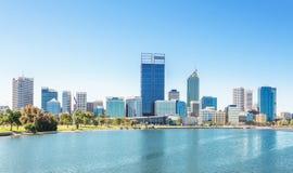 De mening van Perth bij de middag stock foto's