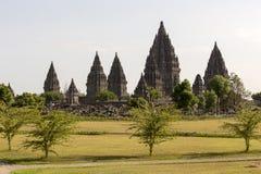 De mening van de Prambanantempel in het eiland van Java Royalty-vrije Stock Afbeelding