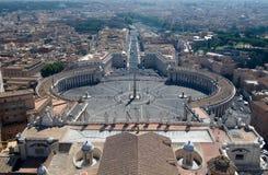 De mening van Rome `s van de Koepel van St. Peter Basiliek Royalty-vrije Stock Afbeelding