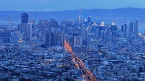 De mening van San Francisco bij schemering stock afbeelding