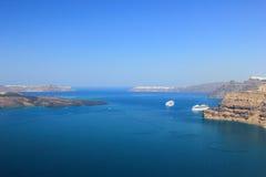 De mening van Santorini (Griekenland) - reisachtergrond Royalty-vrije Stock Afbeelding