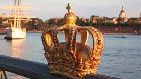 De mening van Stockholm met kroon Stock Afbeeldingen