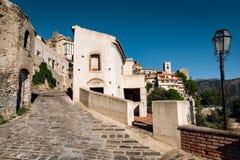 De mening van straat in Savoca-dorp in Sicilië, Italië royalty-vrije stock foto