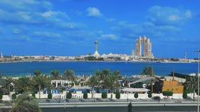 De mening van de tijdtijdspanne van Abu Dhabi-stads beroemd oriëntatiepunt Marina Mall, het wiel van het Jachthavenoog, Fairmont  stock videobeelden