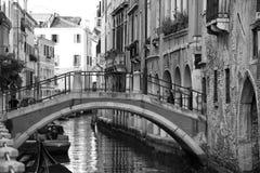 De mening van Venetië in zwart-wit royalty-vrije stock fotografie