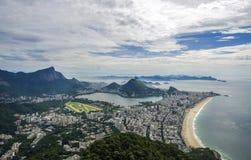 De mening van de zonsondergang van het Brood en Botafogo van de bergSuiker in Rio de Janeiro brazilië Royalty-vrije Stock Foto's