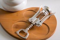 De mening vanaf de bovenkant zilveren kurketrekker decoratiehoek Gedetailleerde mening van haar wapen Restaurant Royalty-vrije Stock Foto