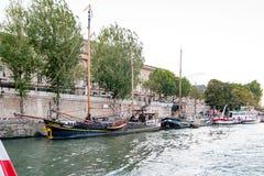 De Meningen van Parijs, Frankrijk, Parijs, Parijs, Frankrijk van gebouwen, monumenten en beroemde plaatsen in Parijs Royalty-vrije Stock Afbeelding