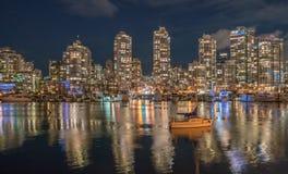 De meningen Vancouver van de stadsnacht Stock Foto