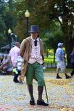 De mens kleedde zich als vroegere ingezetene van Boston Stock Afbeelding