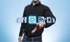 De mens raakte Virtueel E-mailpictogram Royalty-vrije Stock Afbeeldingen