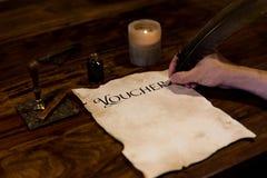 De mens schreef oud document in royalty-vrije stock foto's