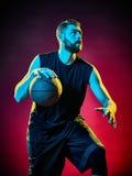 De mens van de basketbalspeler Stock Afbeeldingen