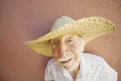 De Mens van de bejaarde in een Hoed van de Cowboy Stock Afbeeldingen