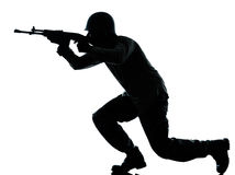De mens van de legermilitair op aanvalssilhouet Royalty-vrije Stock Foto
