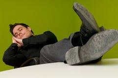 De mens van de slaap royalty-vrije stock fotografie