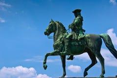 De mens van het standbeeld op paard Royalty-vrije Stock Foto's