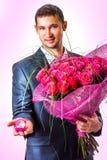 De Mens van valentijnskaarten met bloemen royalty-vrije stock fotografie