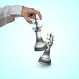 De menselijke schaakstukken van het de muntsymbool van het hand speelgeld Stock Fotografie